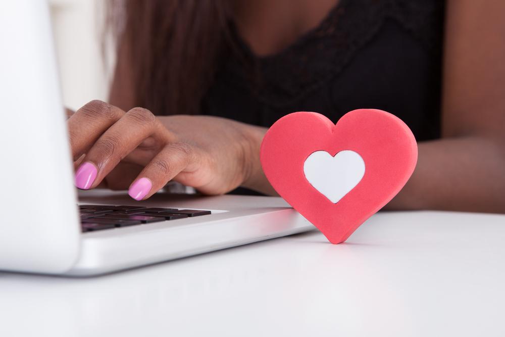 online-vs-offline-adult-online-dating